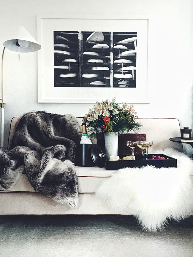 How to Host a NYE Party in a Studio Apartment • on @SavvyHome